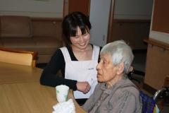 介護職員と入居者